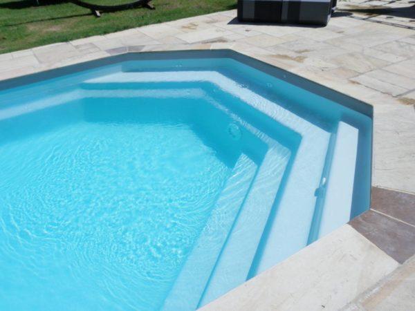 Tanzanite spa concept couverture luxembourg belgique tendances profondeur Coque polyester piscine fond plat