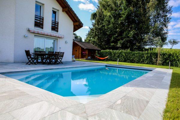 celestine 120 fond incline spa concept couverture luxembourg belgique tendances profondeur Coque polyester piscine fond plat