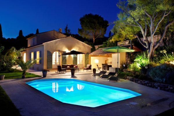 cristal fond incline spa concept couverture luxembourg belgique tendances profondeur Coque polyester piscine fond plat